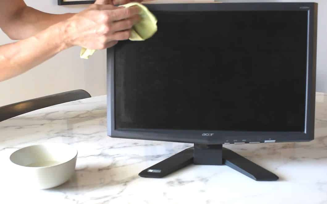 cleaning computer monitor