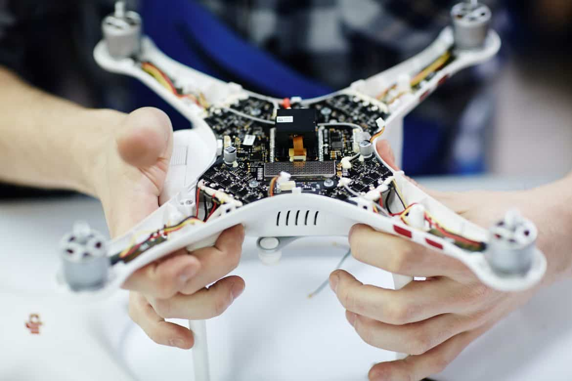 Electronics System in Quadrocopter Drone