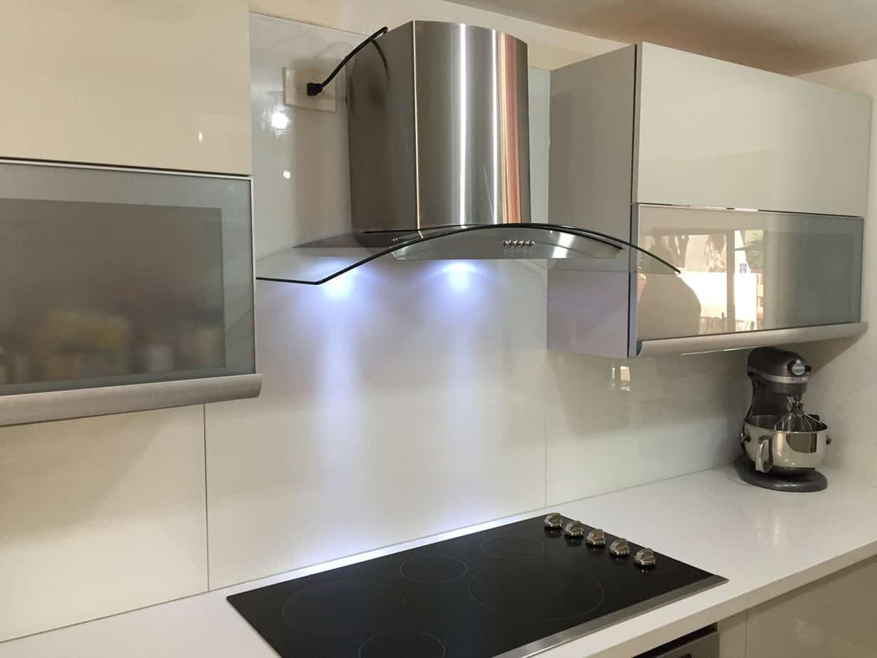 Just Broan 30-in Ductless White Monochromatic Undercabinet Range Hood New Punctual Timing Kitchen Storage & Organization