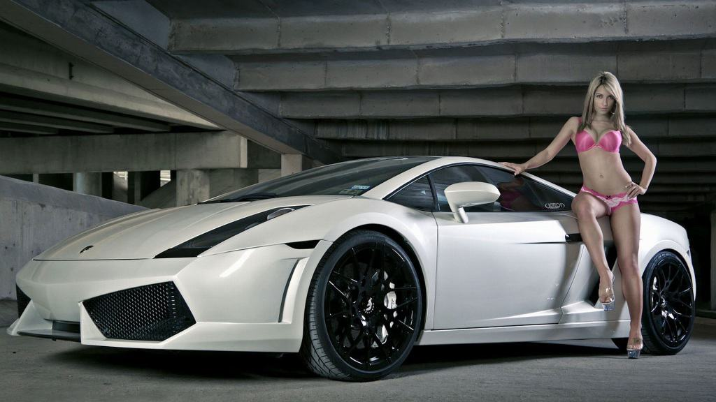 Girl With A Turismo Car