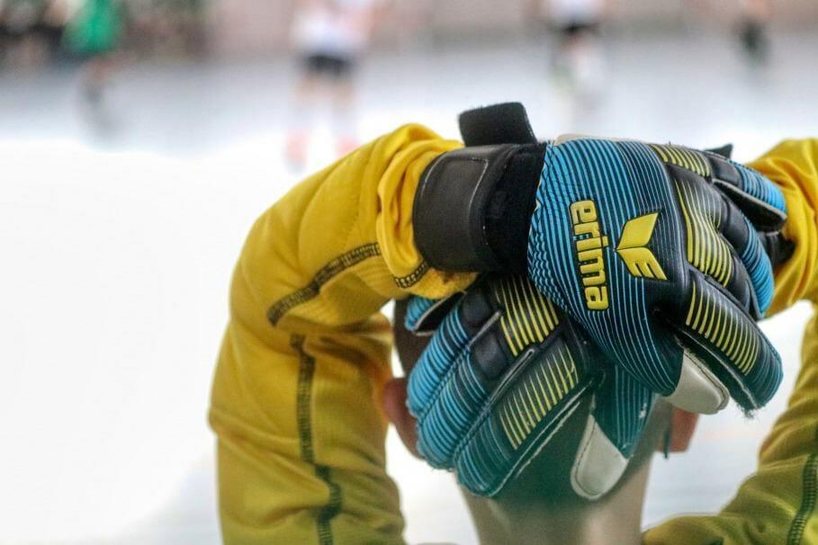 Buyers Guide for Soccer Goalie Gloves