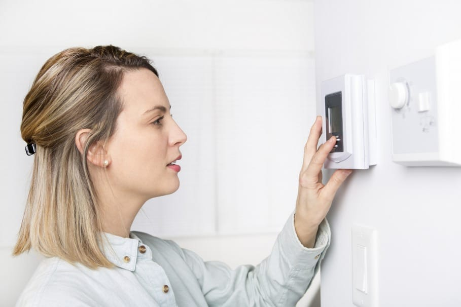 factors affecting thermostat cost