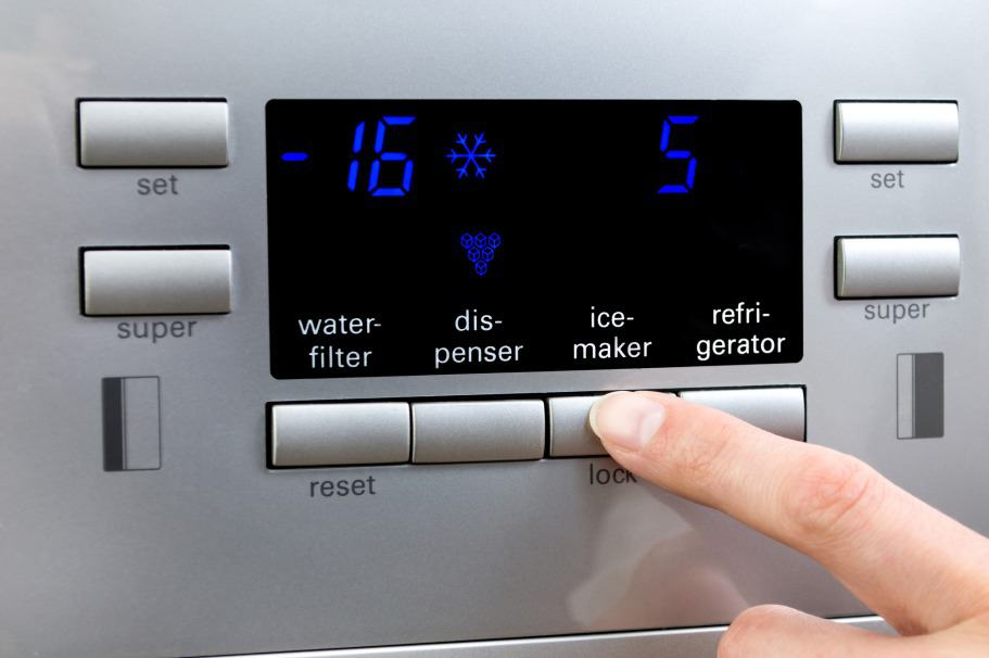 A Step-by-Step Guide to Cleaning a Fridge Water Dispenser
