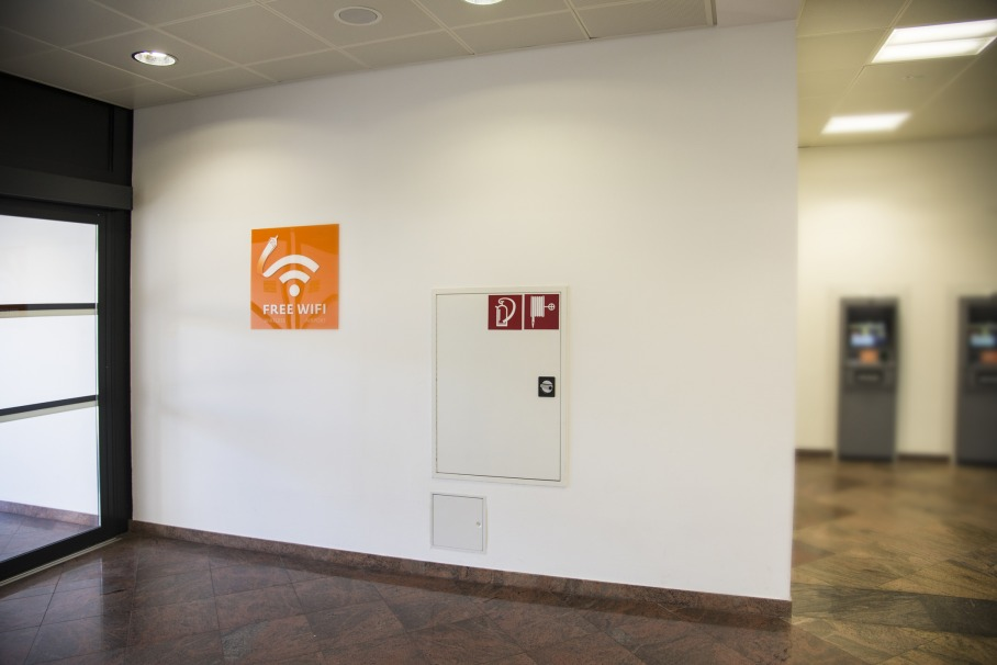 prevent breaches while browsing on public wifi